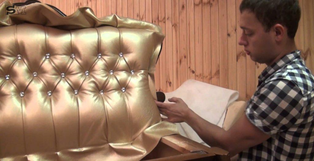 Обшивка дивана на дому частным мастером. Цены от 3500руб.